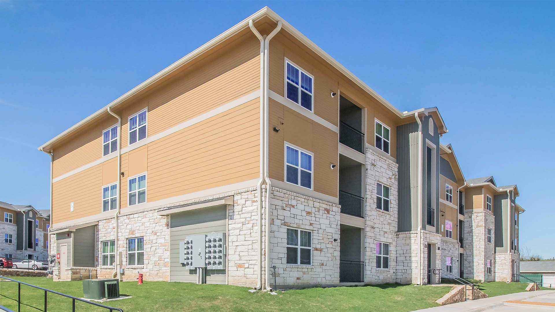 Forestwood Apartment Homes Building Exterior