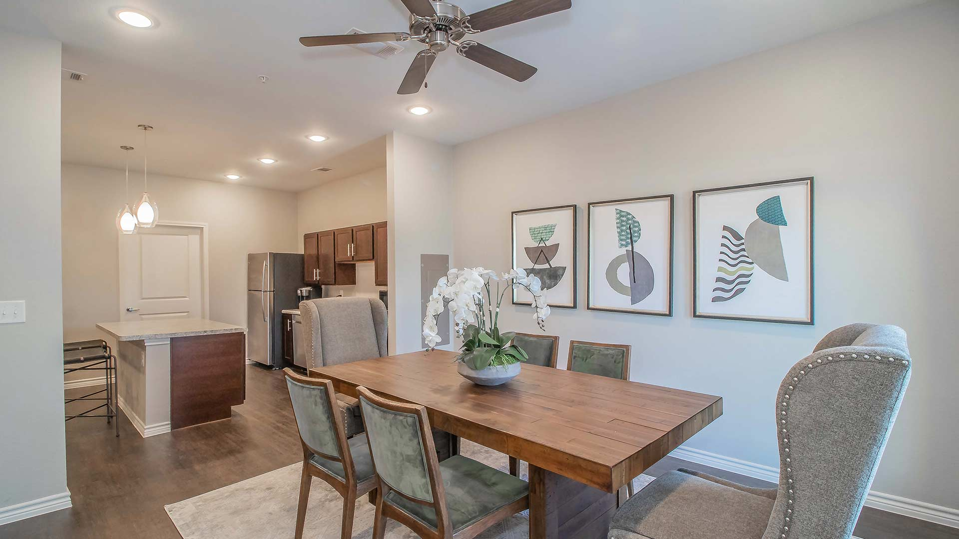 Forestwood Apartment Homes dining room